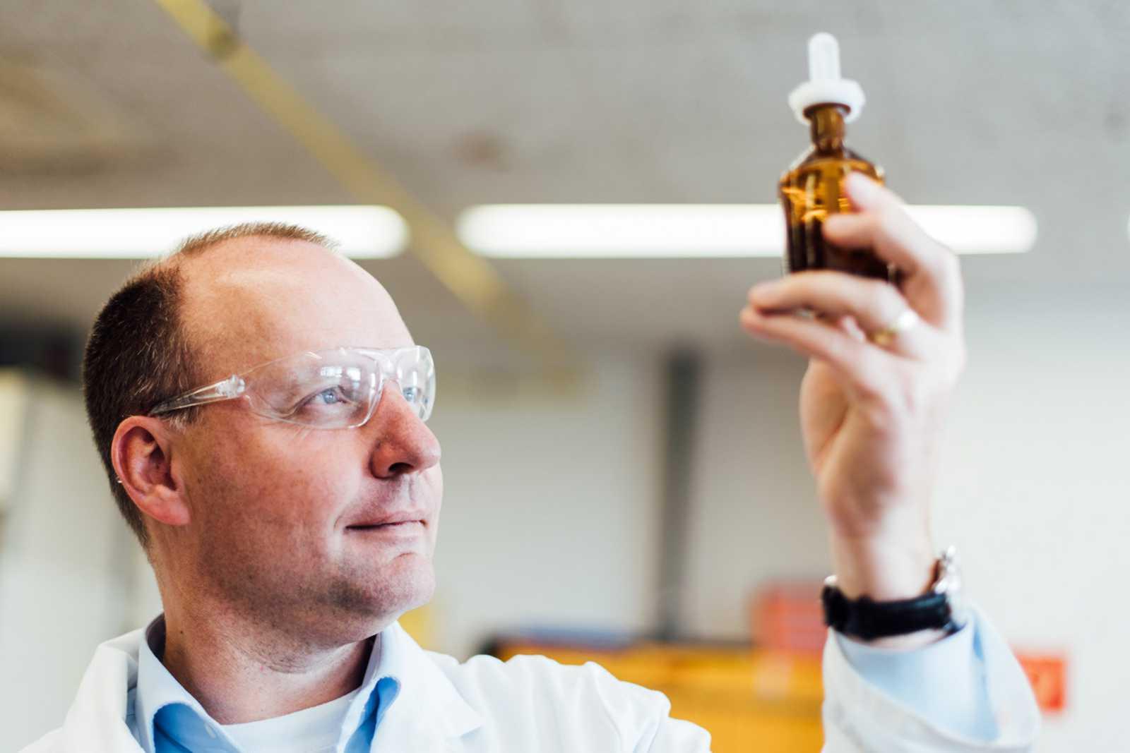 Kooperation Mit Wissenschafts Und Technologieunternehmen Merck