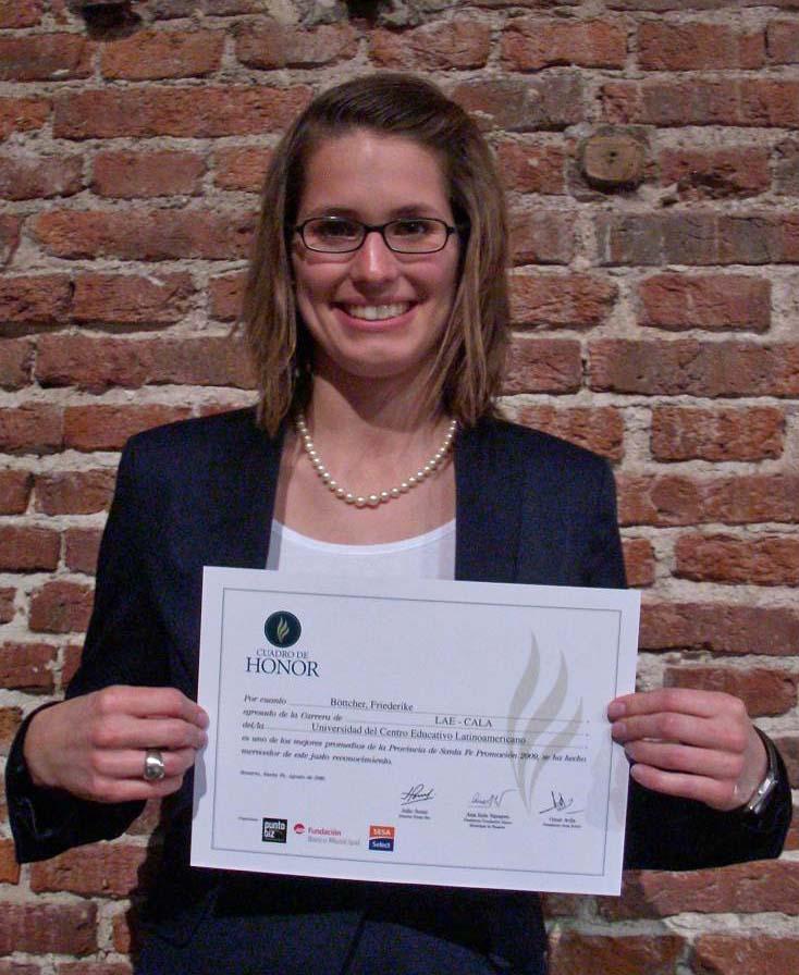 Friederike Böttcher wurde von der Universidad del Centro Educativo Latinoamericano in Argentinien für die beste Note im Bereich Betriebswirtschaft ausgezeichnet.