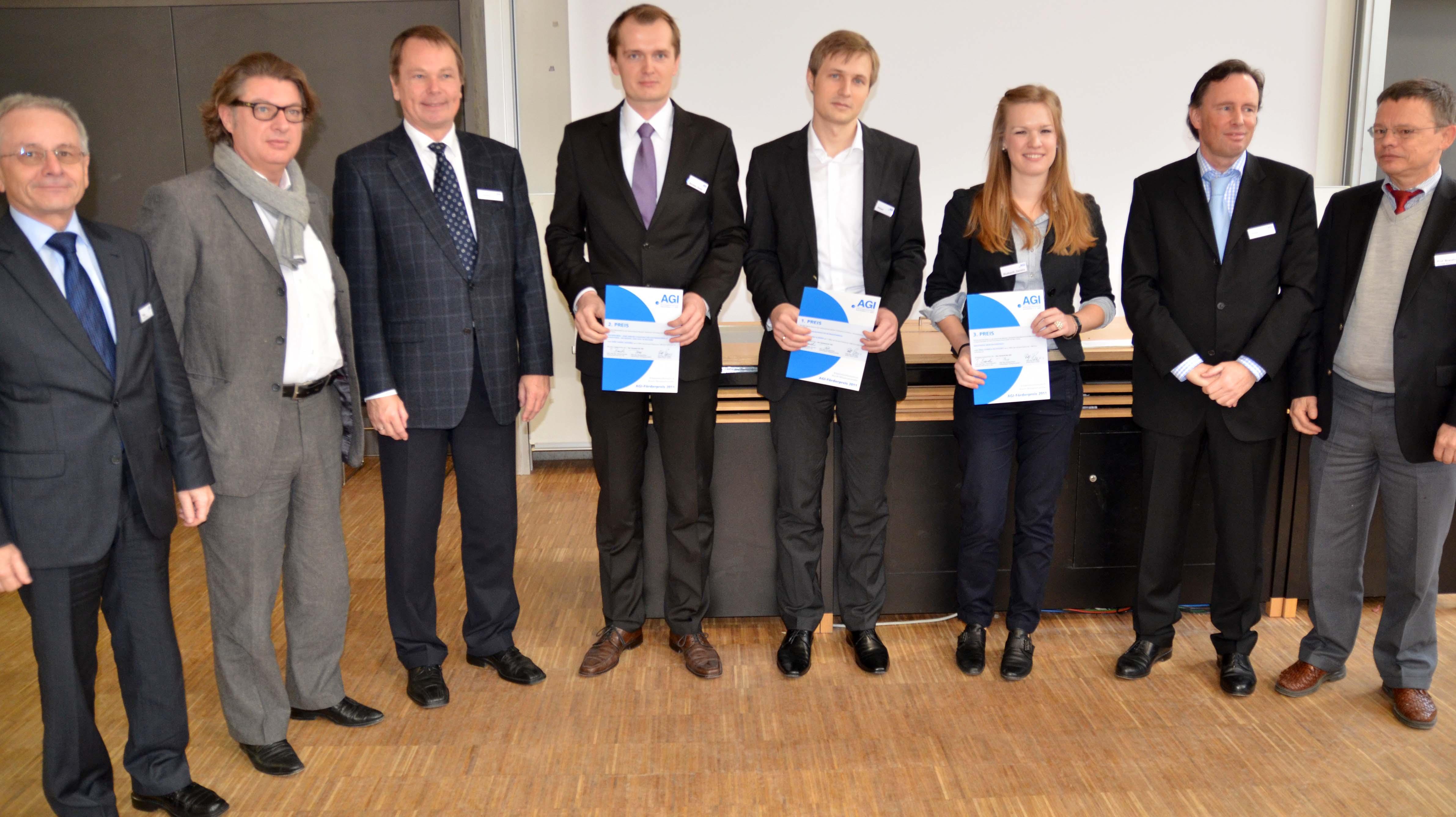 Gruppe mit Preisträgern