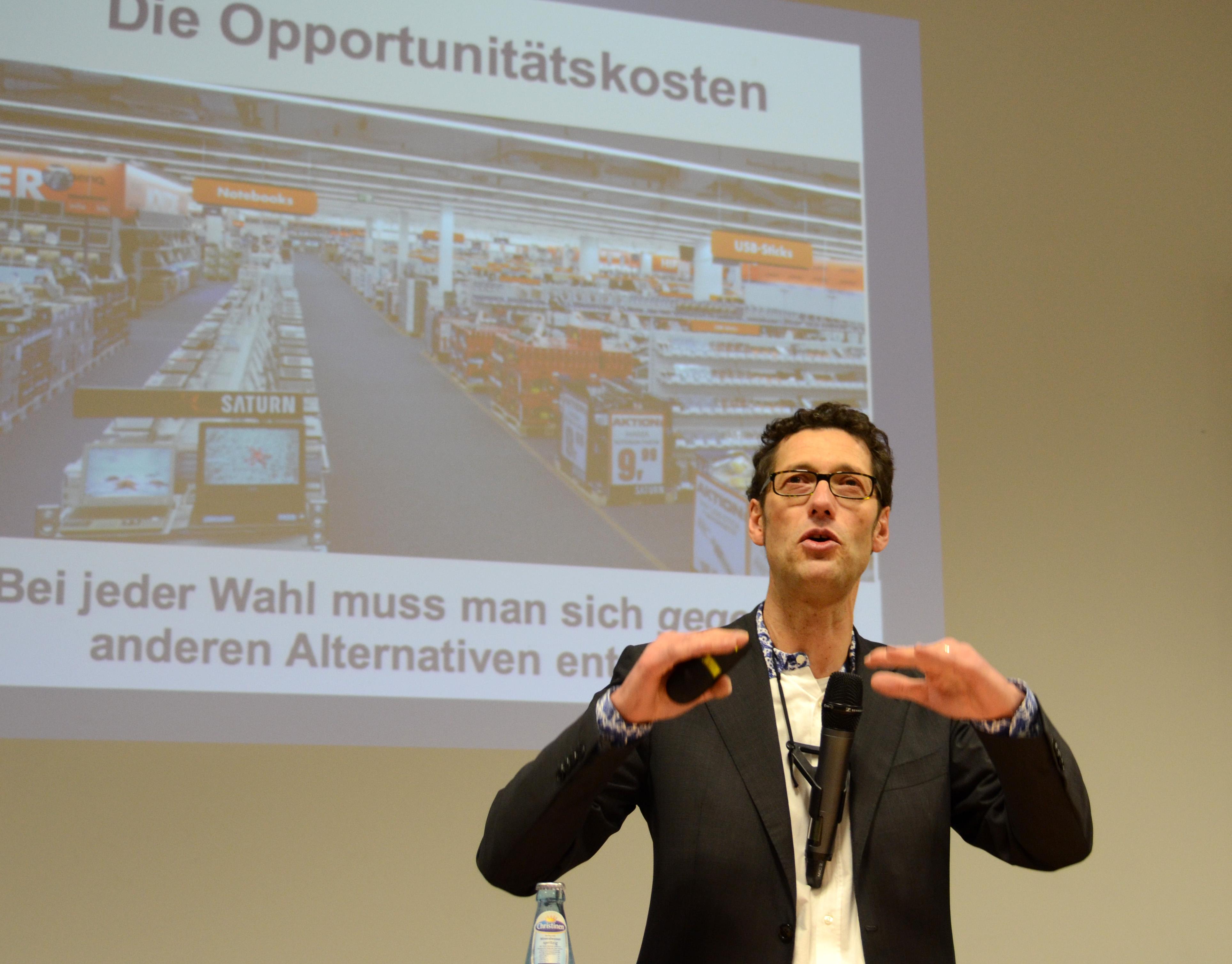 Ulrich Schnabel bei Vortrag