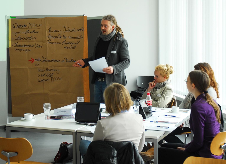 Die Teilnehmer des FAM²TEC-Workshops bekamen Anregungen, wie sie gezielt Frauen in MINT-Berufen für ihr Unternehmen anwerben können. (Foto: Eva Keller)
