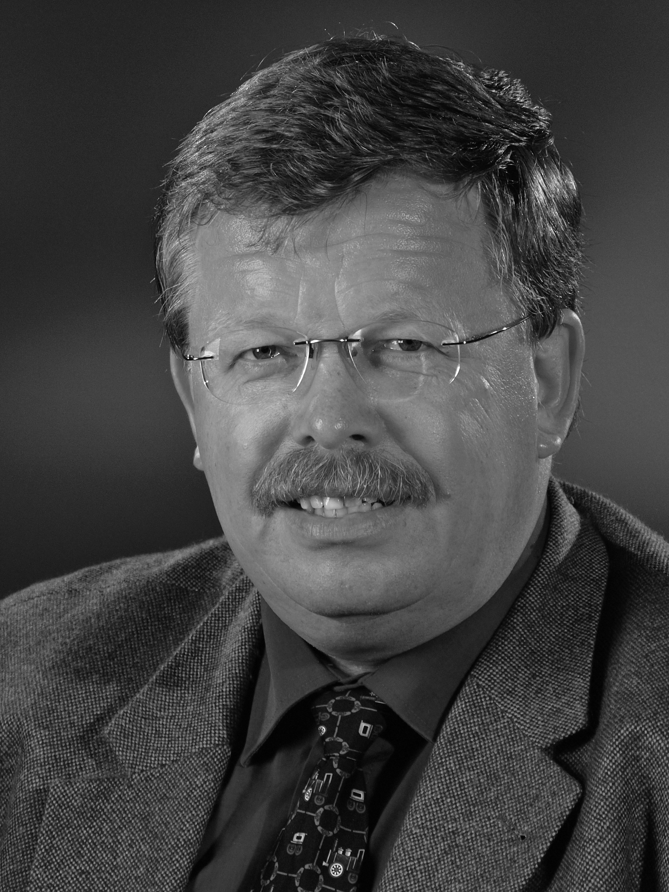 Prof. Dr. Bernhard Mundus