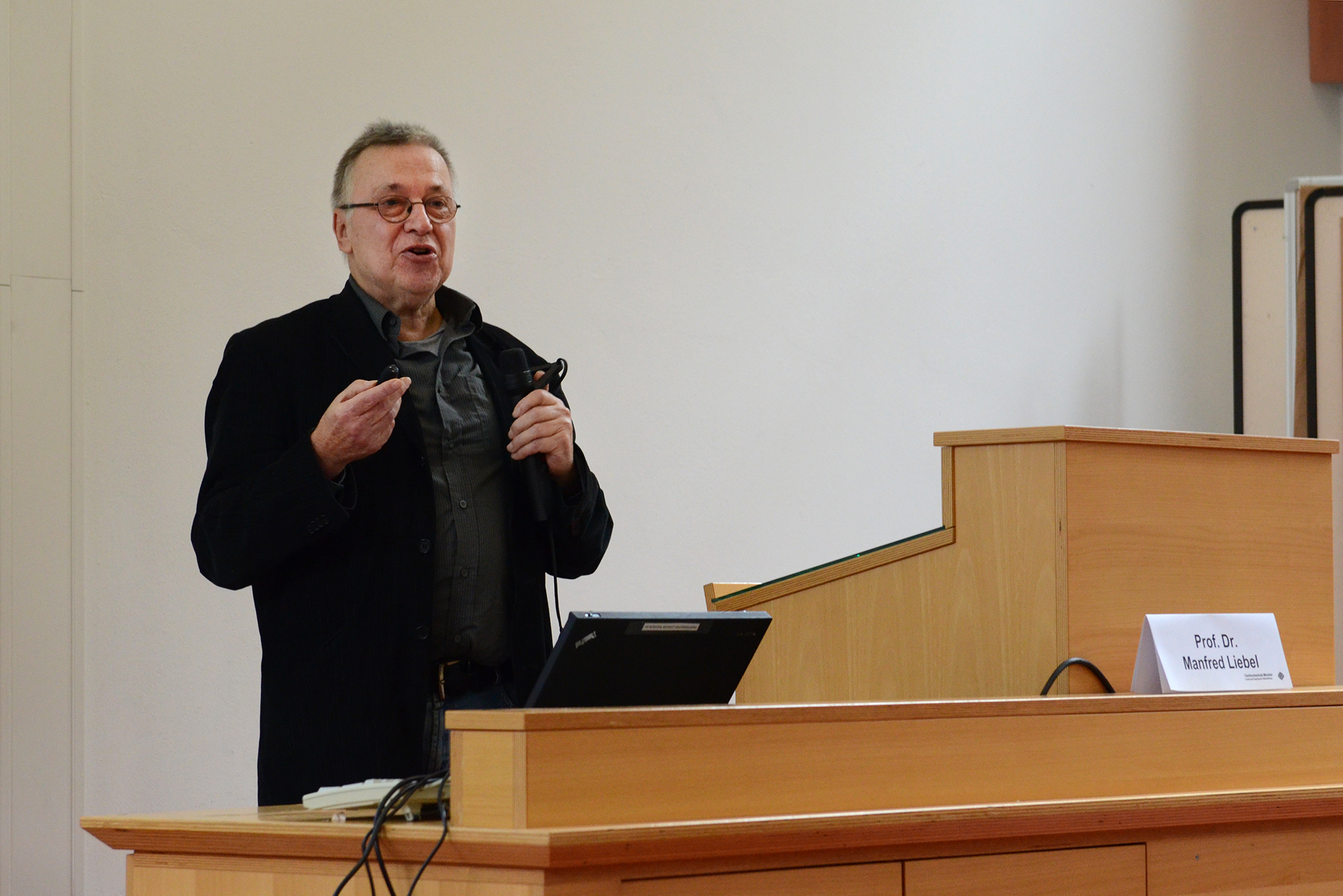 Prof. Dr. Manfred Liebel