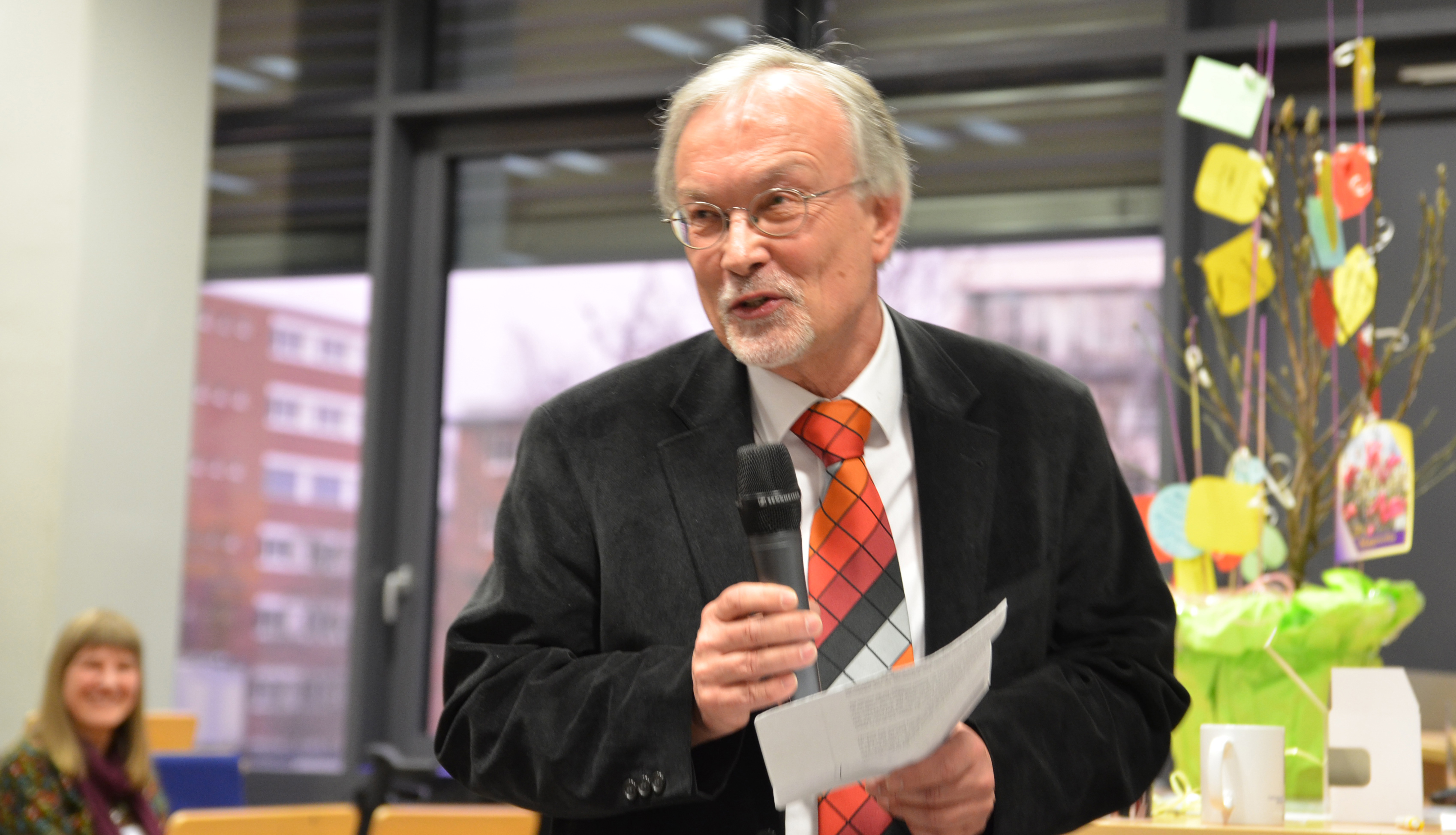 Prof. Dr. Jan Jarre im Hörsaal