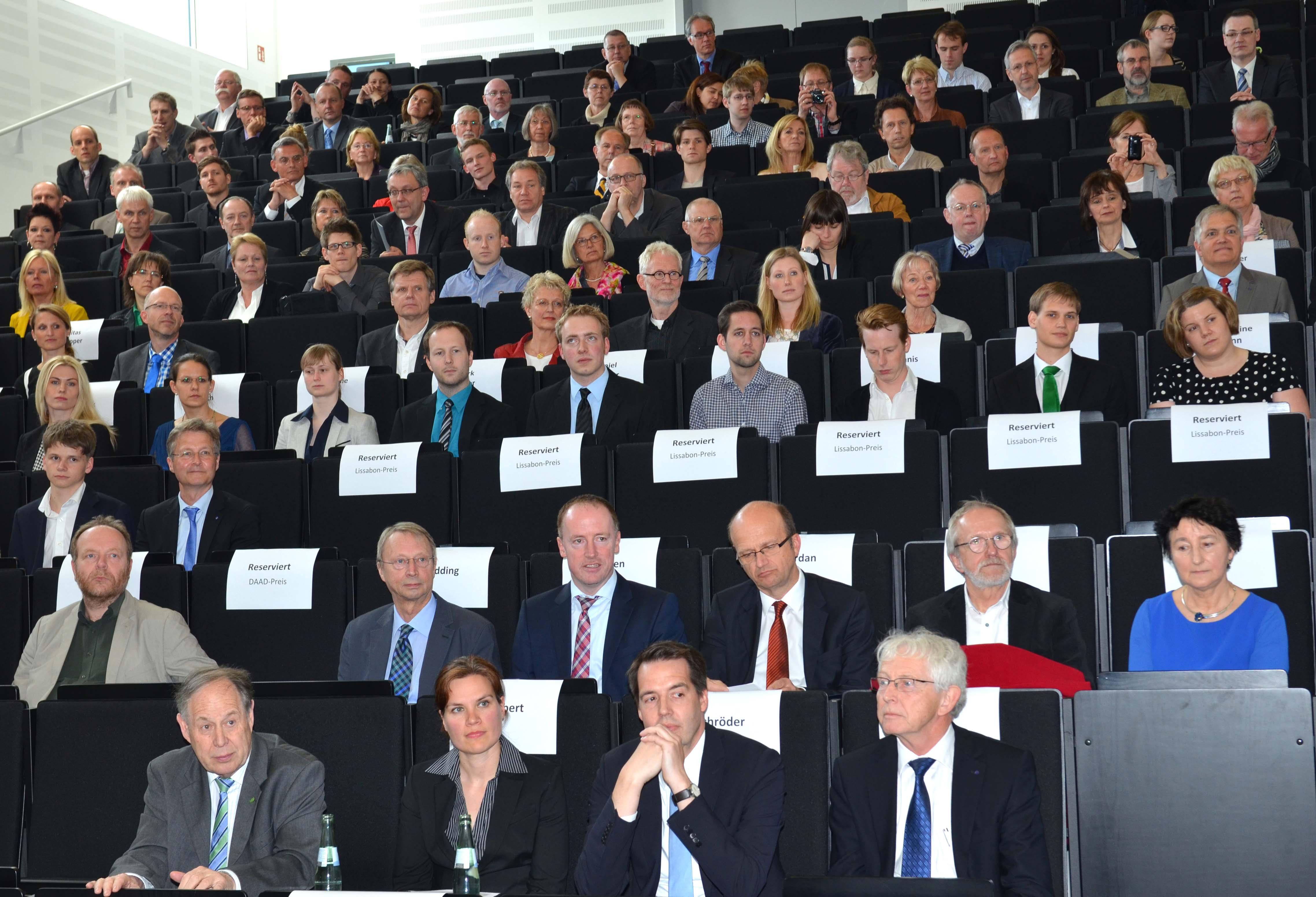 """Erstmals fand die jährliche Festveranstaltung """"Ausgezeichnet."""" der Fachhochschule Münster im neuen Hörsaalgebäude in Steinfurt statt."""