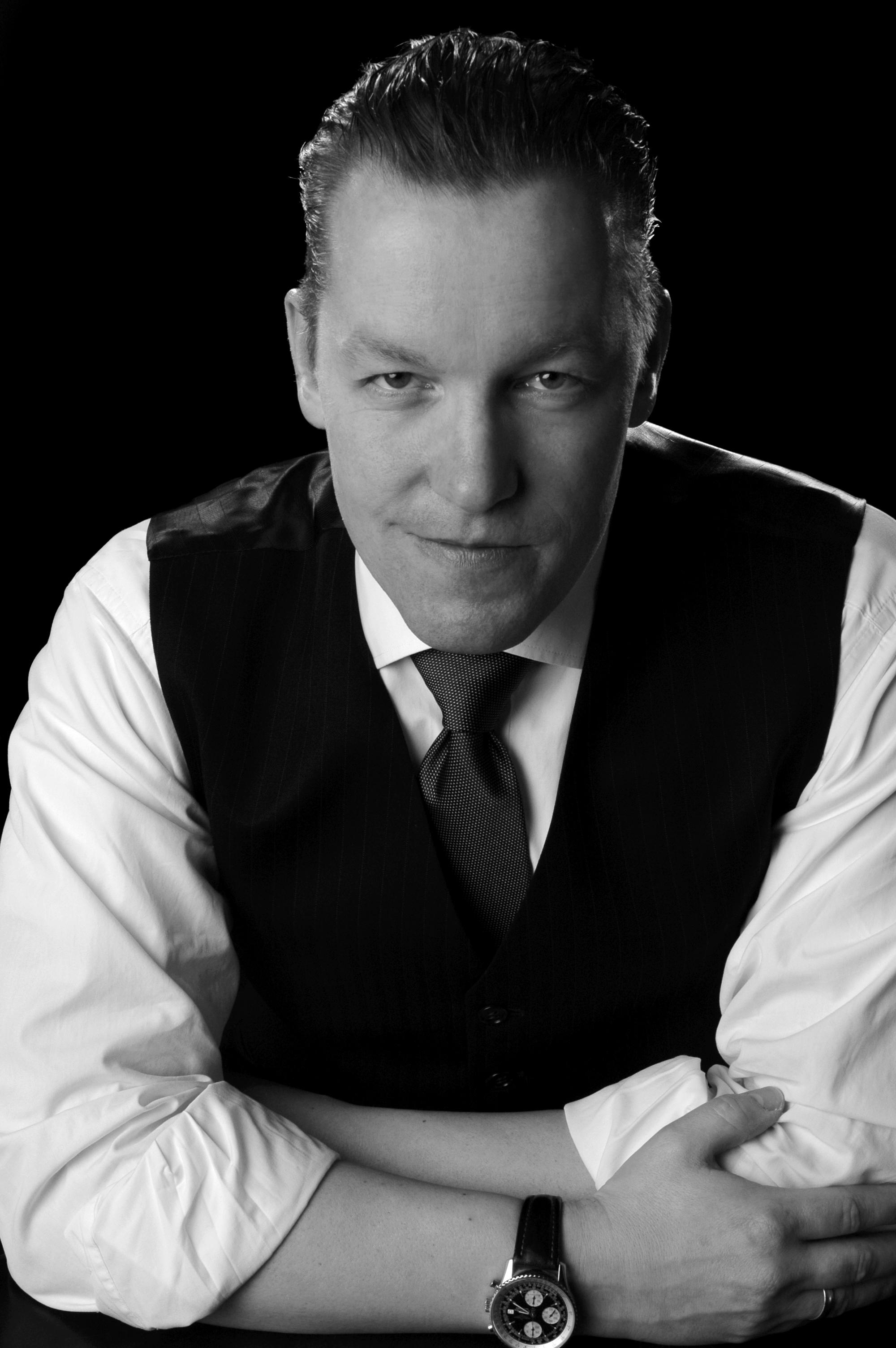 """Prof. Dr. Olaf Arlinghaus von der Fachhochschule Münster belegt in der Kategorie Wirtschaftswissenschaften/Jura den dritten Platz beim UNICUM-Wettbewerb """"Professor des Jahres 2014"""". (Foto: FH Münster/privat)"""
