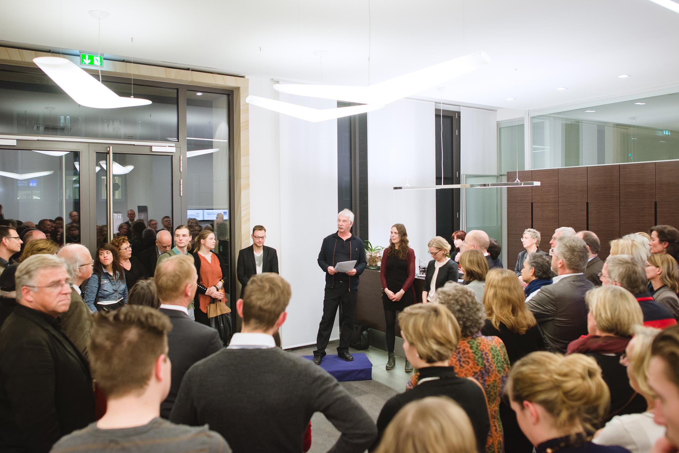 Prof. Hermann Dornhege eröffnete die Ausstellung