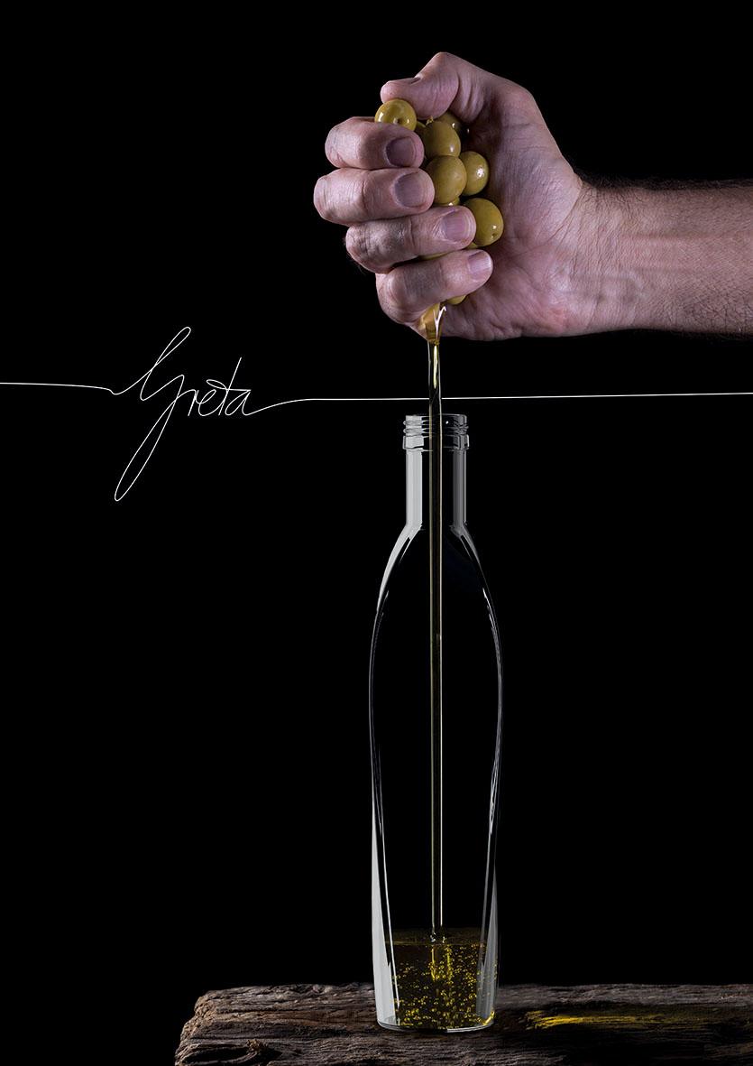 """Ölflasche """"Greta"""" von Christopher Ginders"""
