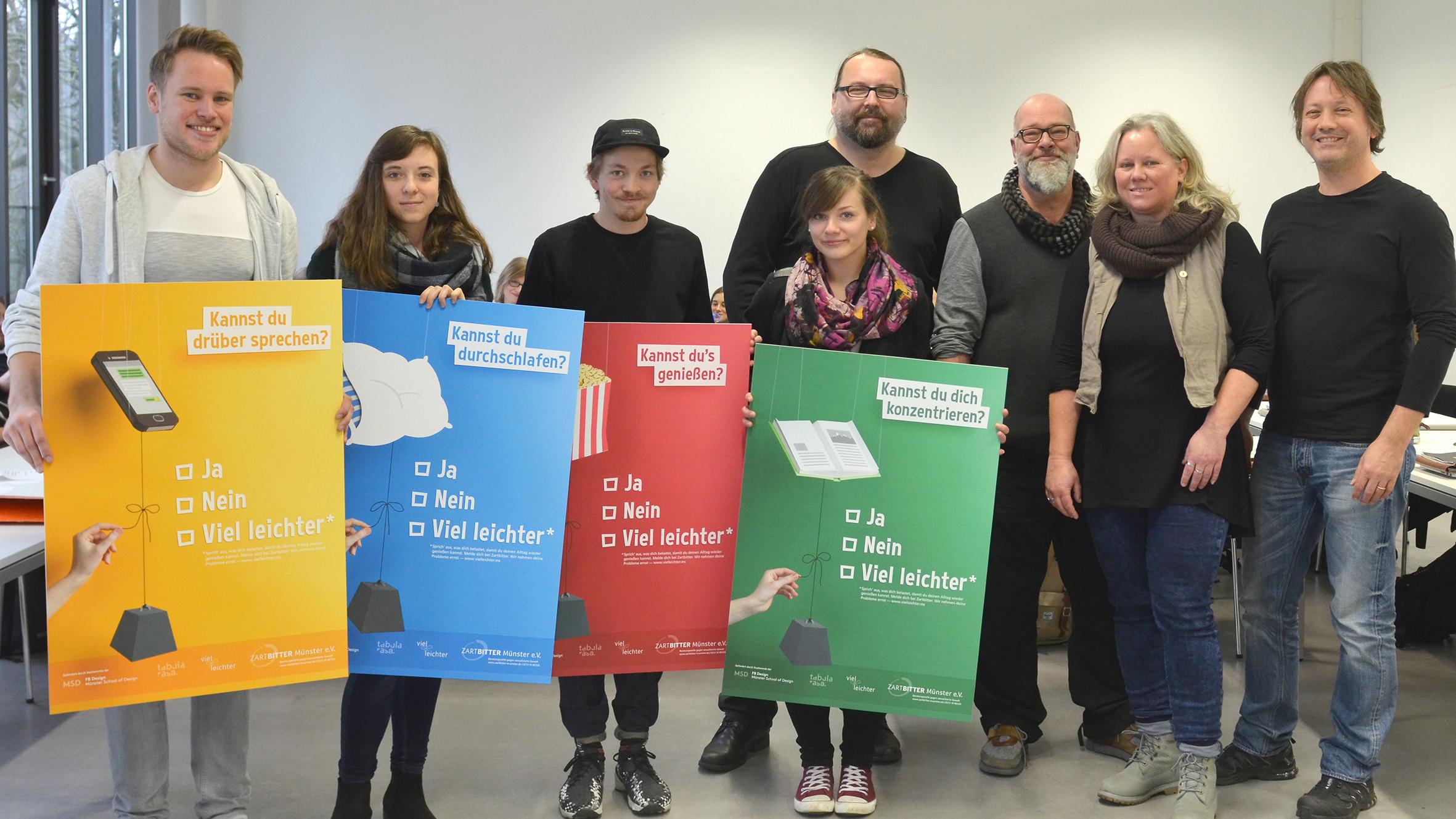 Alternativtext zu den Bildern im Web: Studierende, Vertreter von Zartbitter Münster, Paul Plattner-Wodarczak