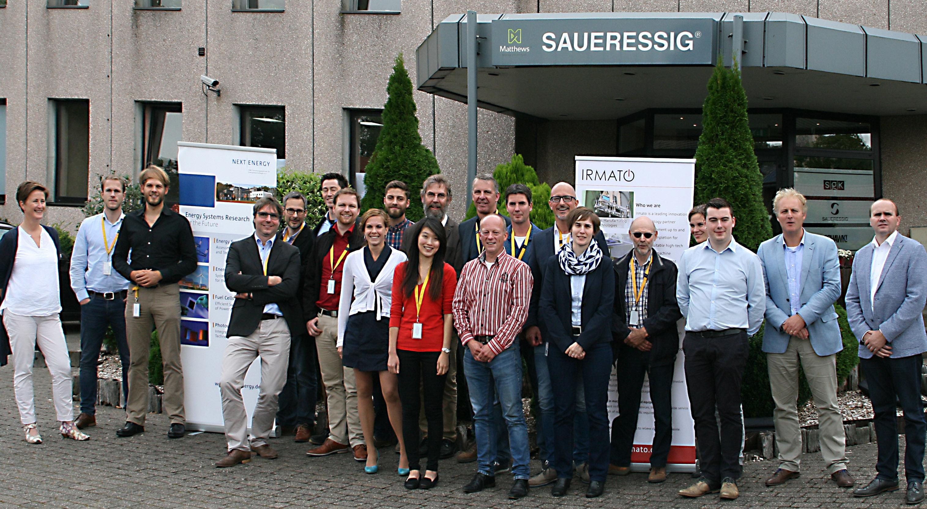 Projektgruppe vor Unternehmen