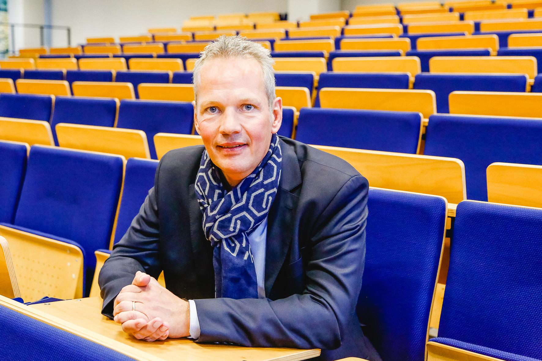 Prof. Dr. Ralf Schengber