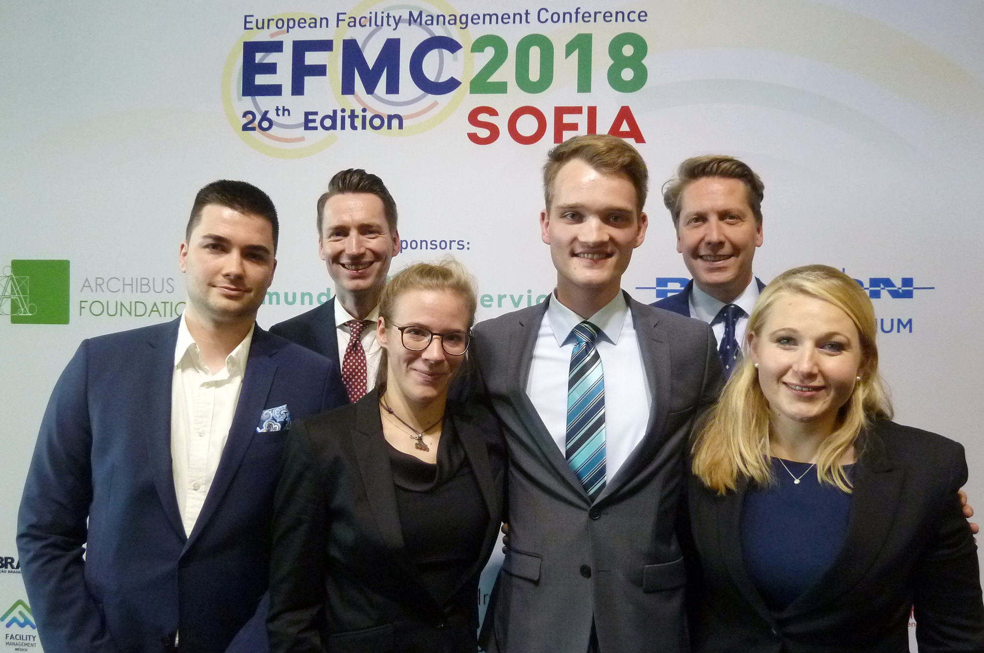 Jonas Meusel, Nele Gendig, Marius Hülk und Patricia Dankert, Prof. Dr. Frank Lattuch und Prof. Dr. Torben Bernhold von der FH Münster