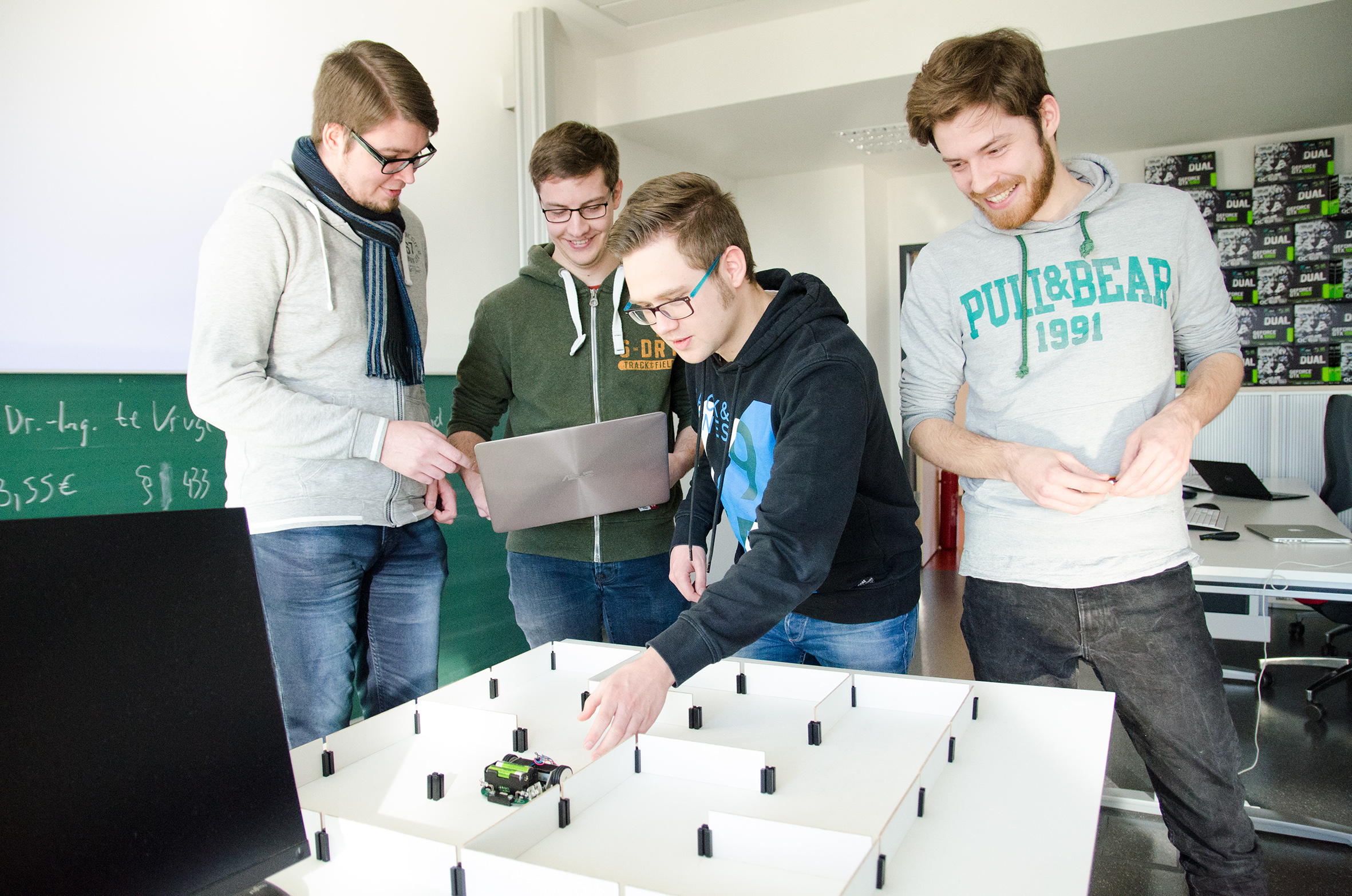 Gruppe mit MicroMouse
