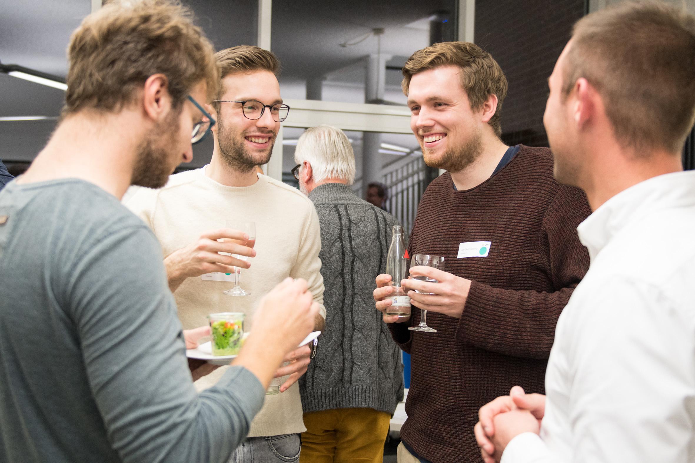 Junge Unternehmer im Gespräch