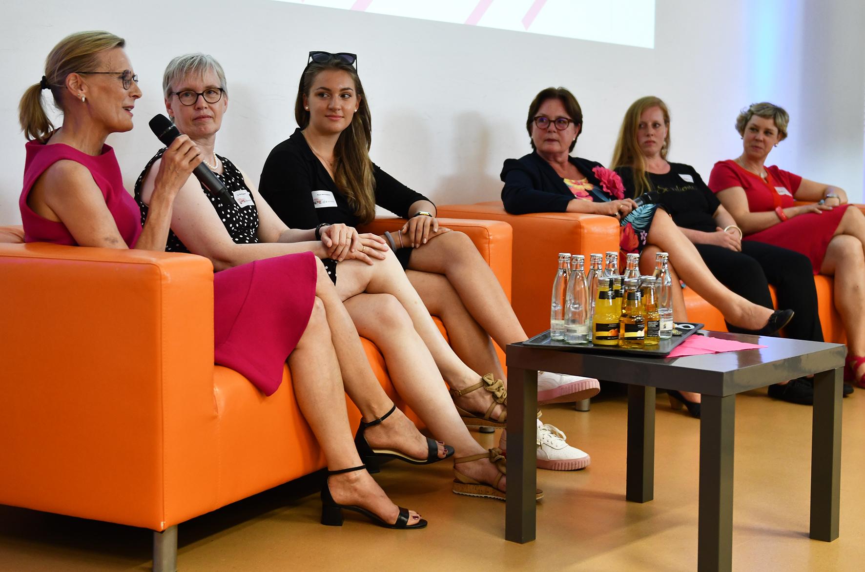 Teilnehmerinnen Podiumsdiskussion