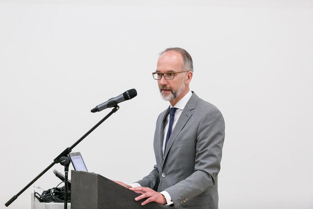 Dr. Hans-Peter Zils