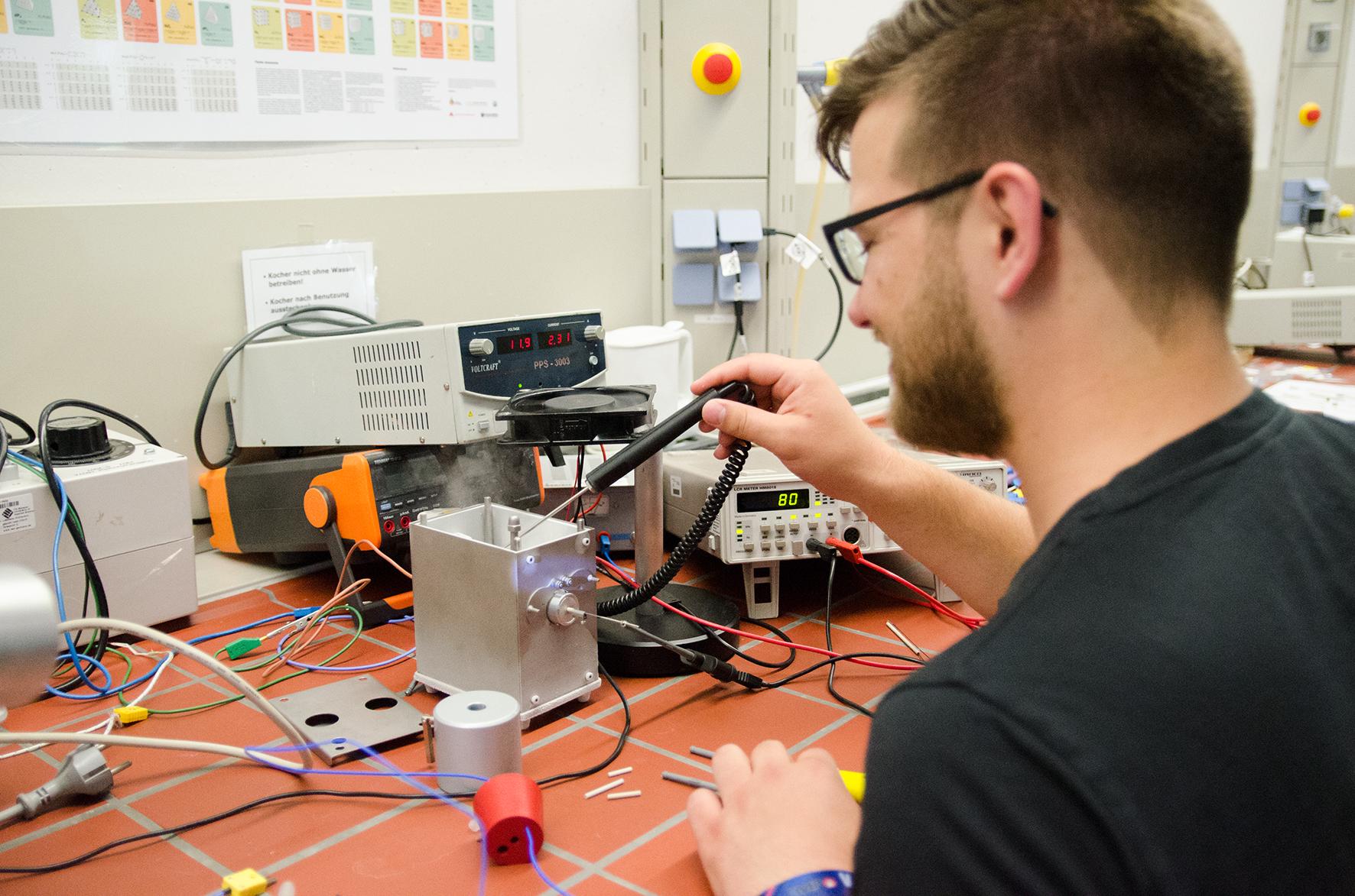 Torben Ernst im Labor