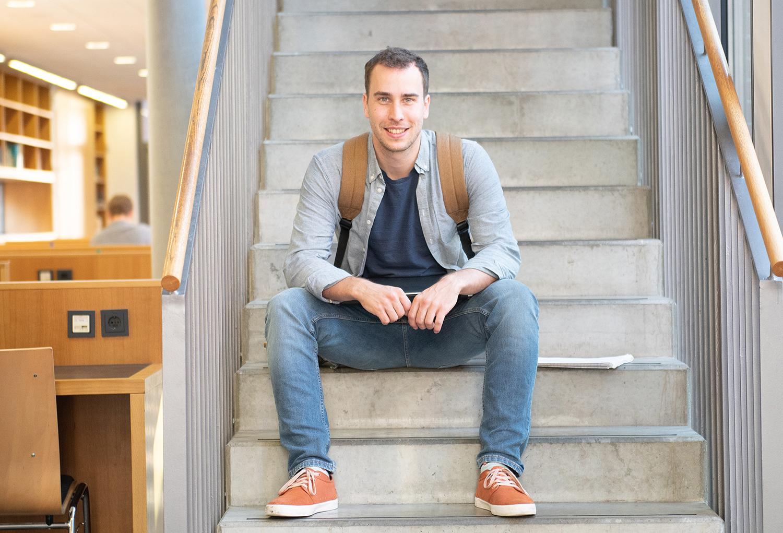 Tim Müller auf der Treppe