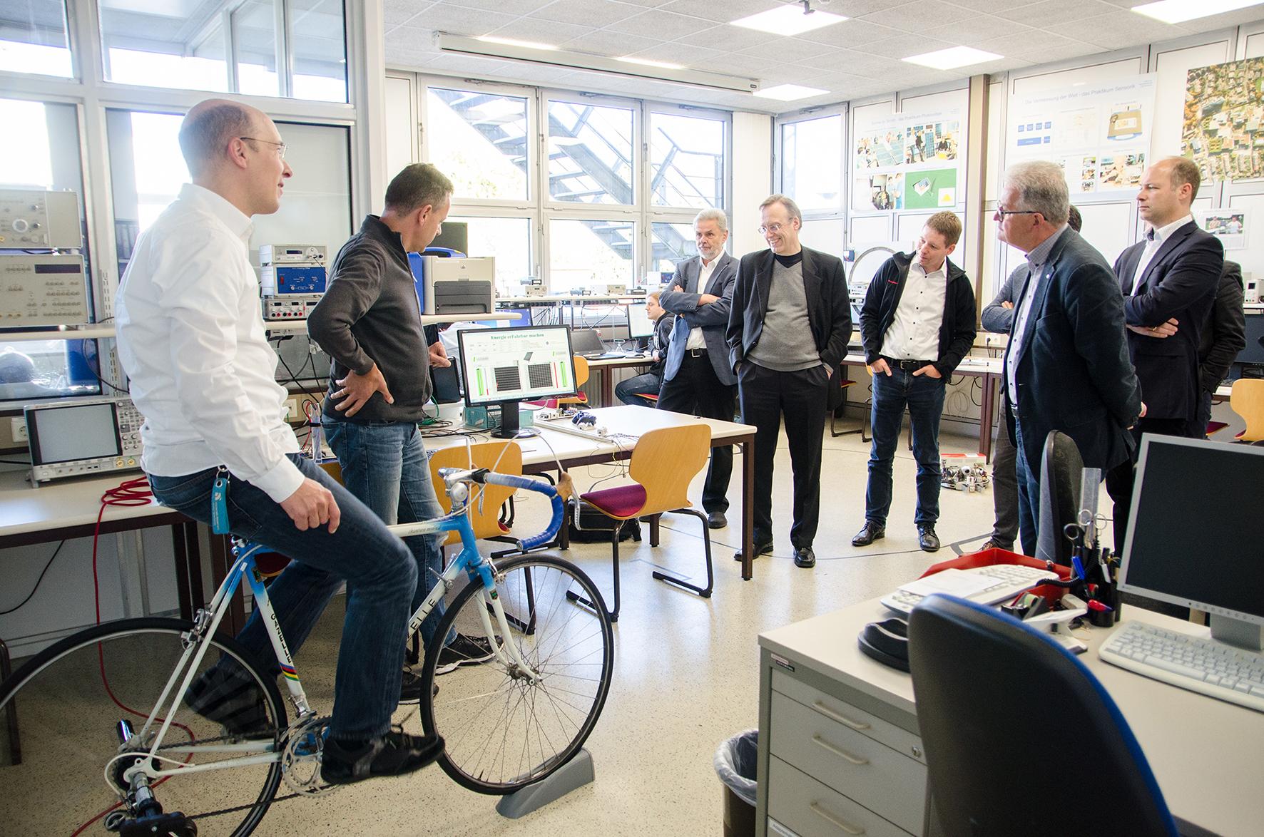 Landesdekanetreffen: Professor auf Energie-Rennrad