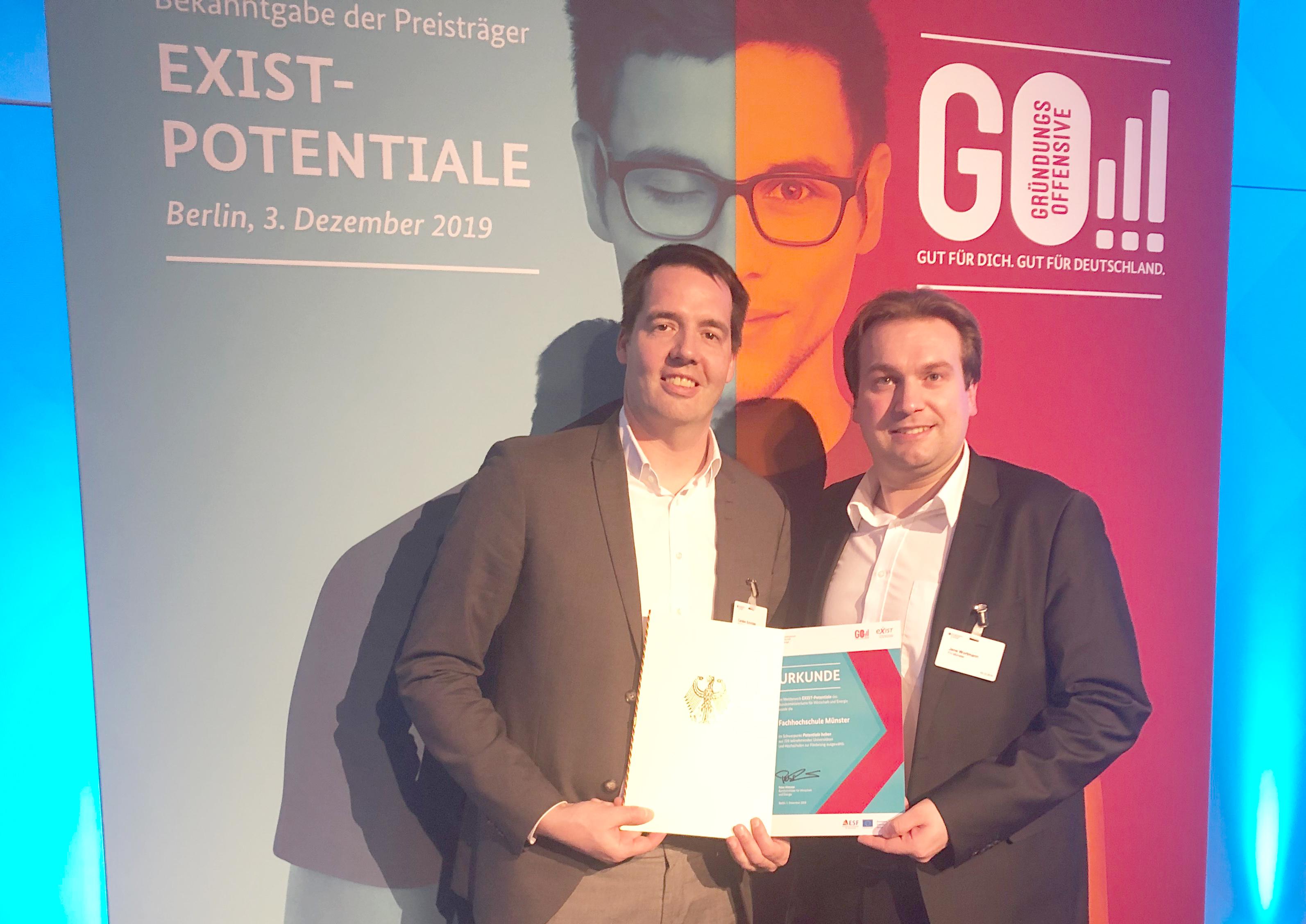 FH-Vizepräsident Carsten Schröder und Antragsmanager Jens Wortmann