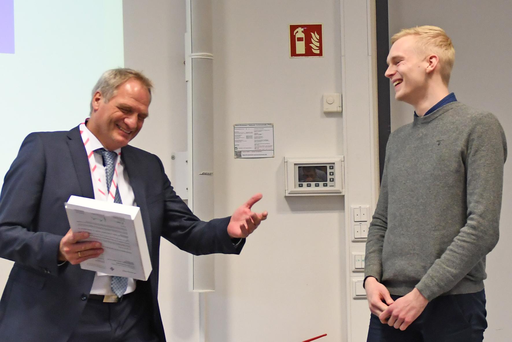 Prof. Dr.-Ing. Jürgen Biernath und Franz-Niklas Büter