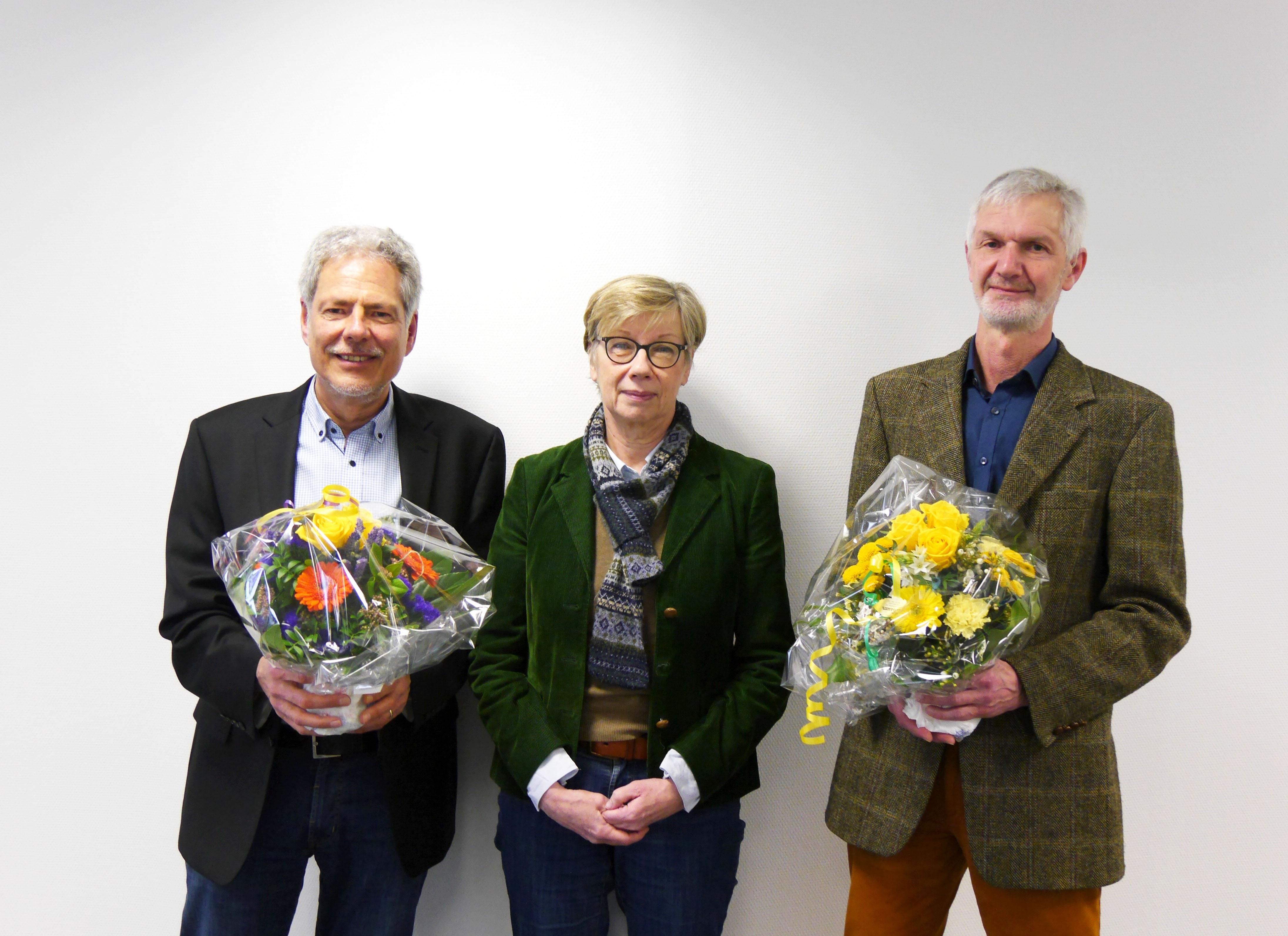 Mit einem großen Dank für die jahrelange Arbeit an der FH Münster verabschiedete FH-Präsidentin Prof. Dr. Ute von Lojewski die beiden Professoren Wickel (l.) und Brugger vom Fachbereich Sozialwesen in den Ruhestand. (Foto: FH Mün