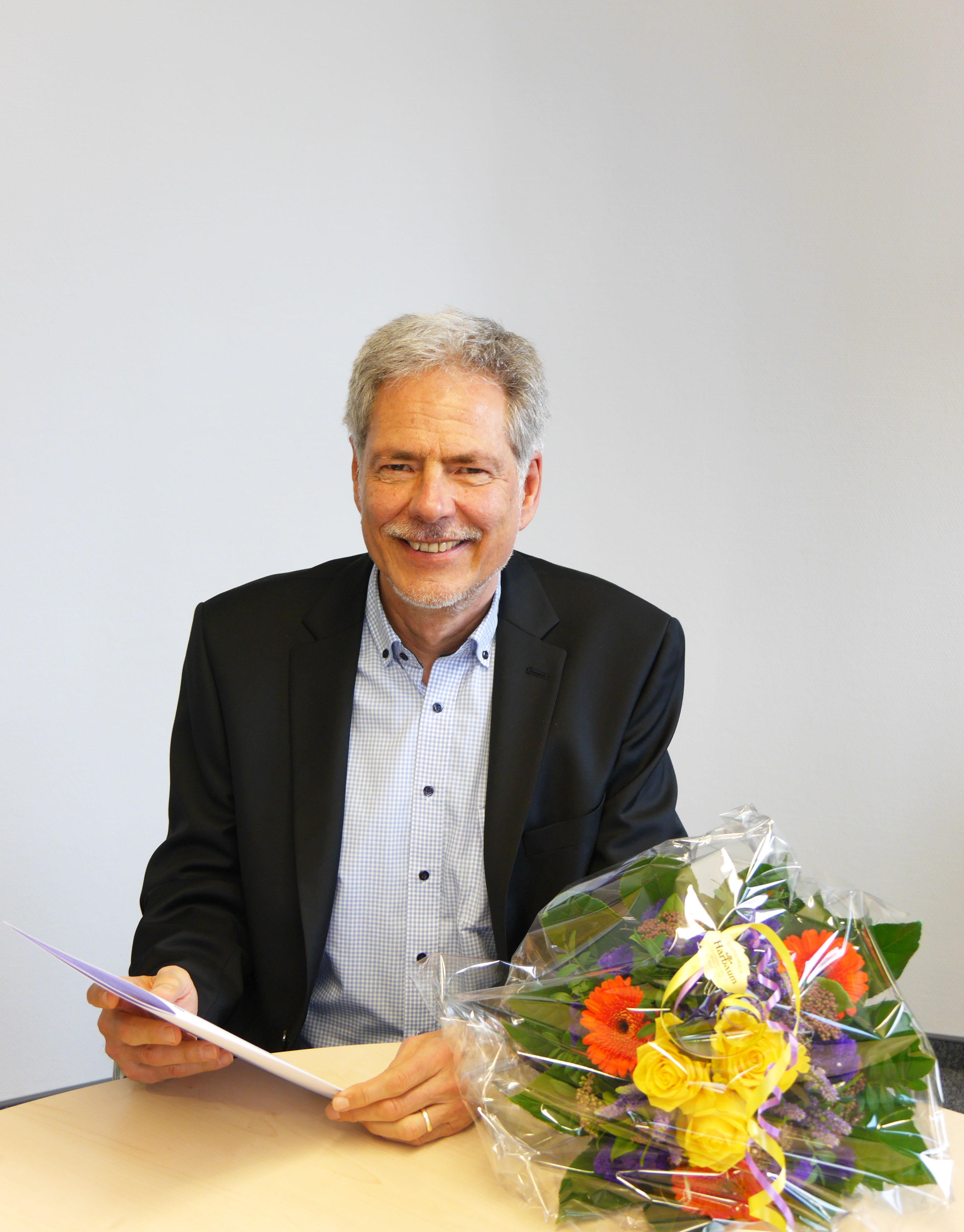 Auch während seines Ruhestands bleibt Prof. Dr. Hans Hermann Wickel der FH Münster im Bereich der Weiterbildung erhalten. (Foto: FH Münster/Rena Ronge)