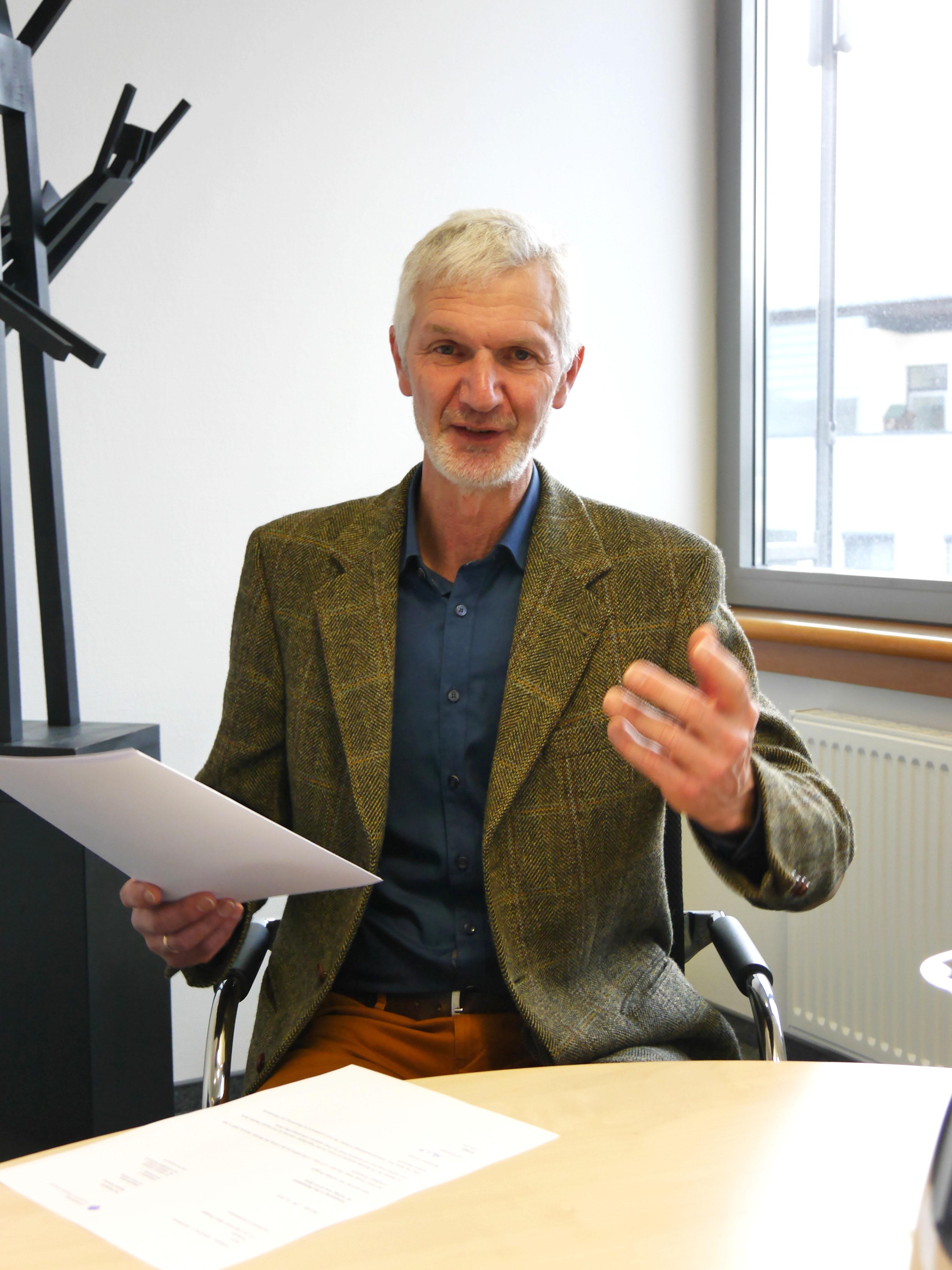 Nach 50 tollen Semestern an der FH Münster verschiedet sich Prof. Dr. Bernhard Brugger in den Ruhestand. (Foto: FH Münster/Rena Ronge)