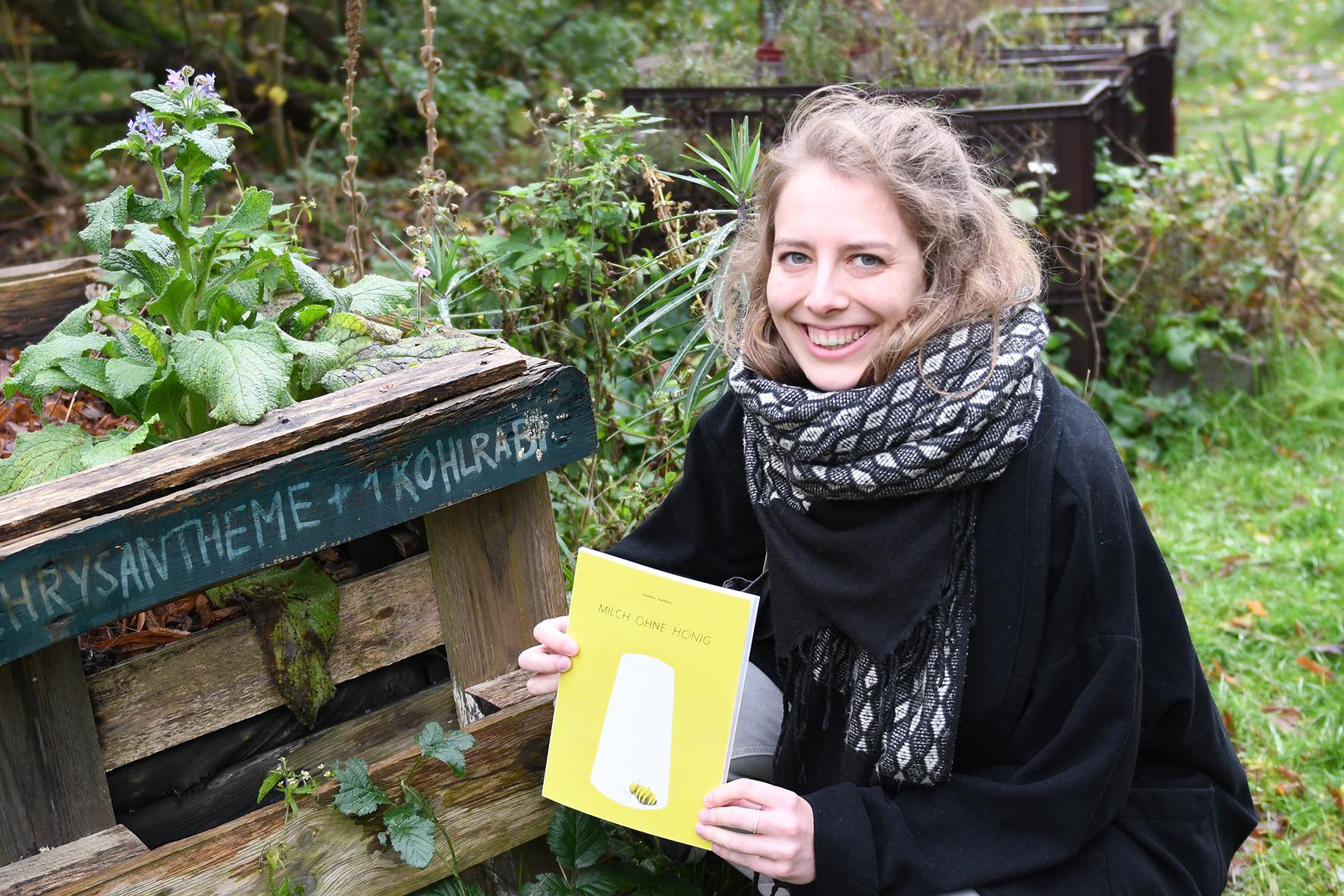 Hanna Harms mit ihrem Buch