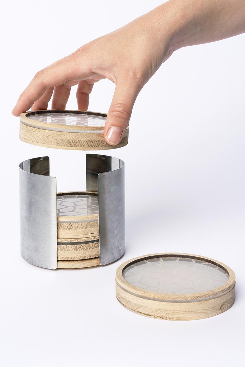 Untersetzer in Behältnis gestapelt