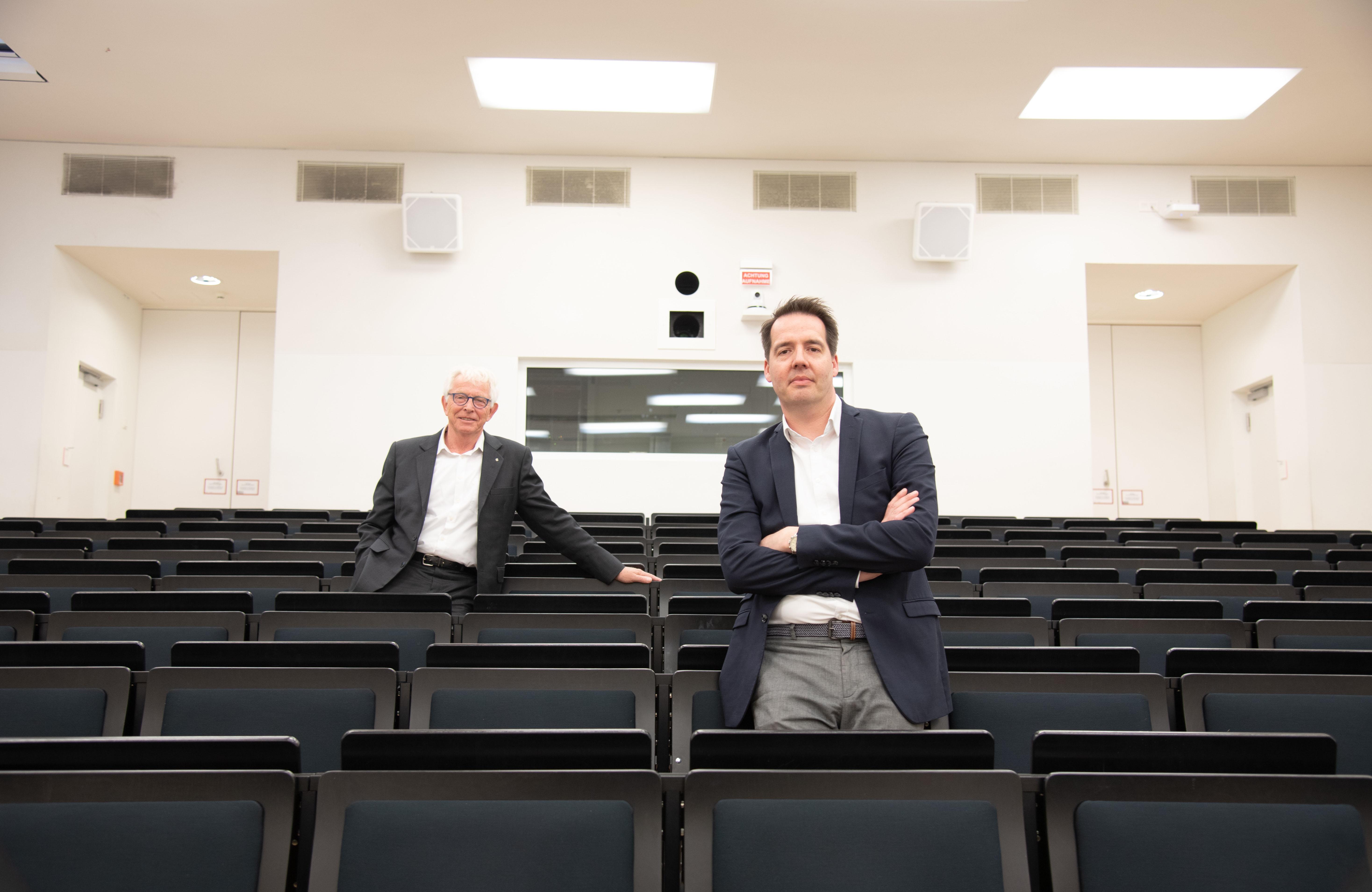 Prof. Dr. Richard Korff (l.) und Carsten Schröder