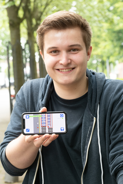 Ben Meiners mit Smartphone
