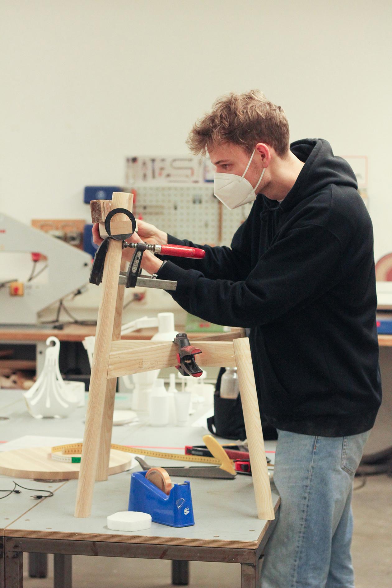 Moritz Walter in der Werkstatt an der MSD