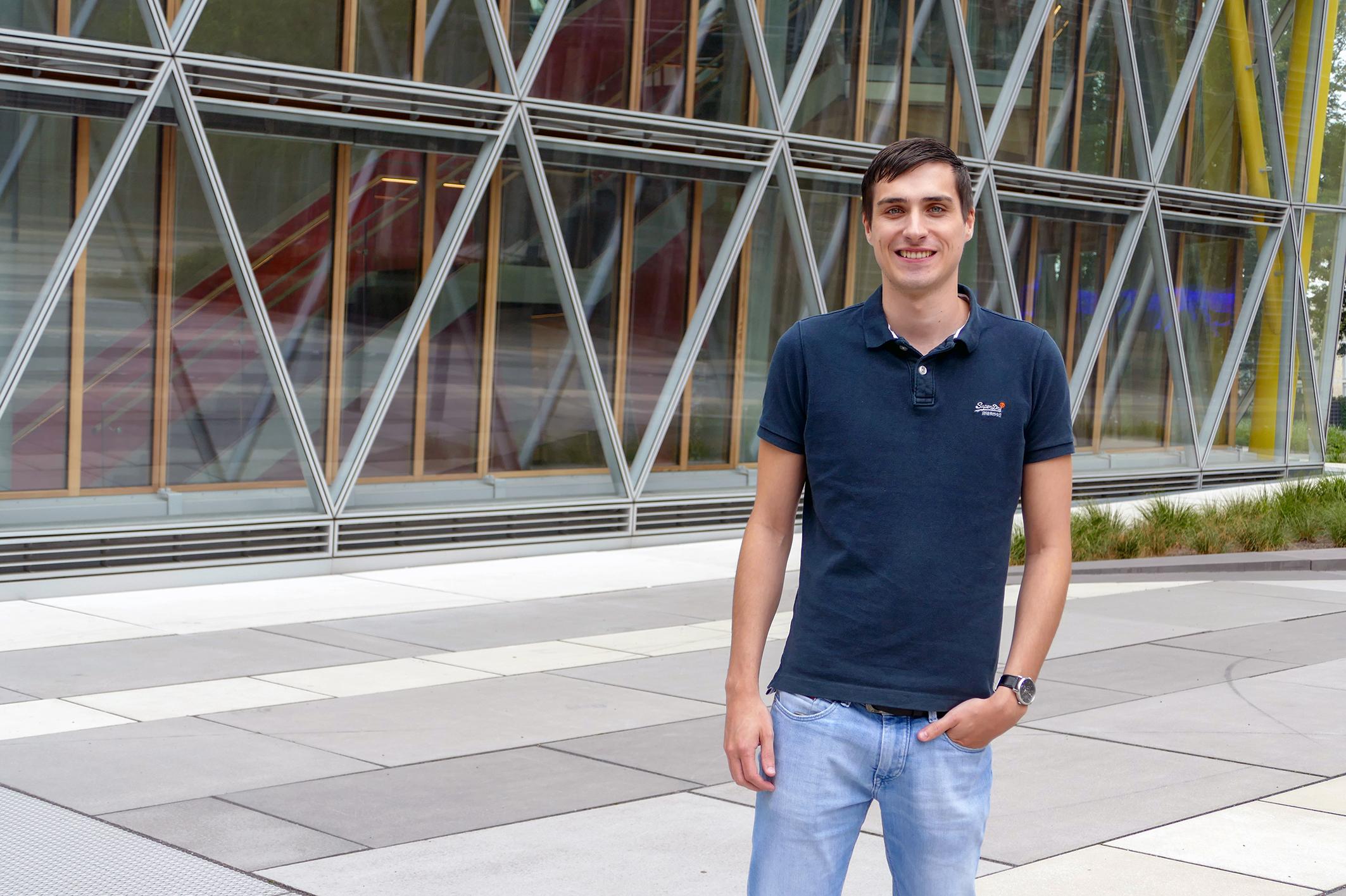 Abschluss mit Auszeichnung: Der Informatikabsolvent Jonas Waldmann wurde mit dem diesjährigen Hochschulpreis der FH Münster ausgezeichnet. In seiner Bachelorarbeit bei der LVM Versicherung entwickelte er eine Verwaltungssoftware für die Ken